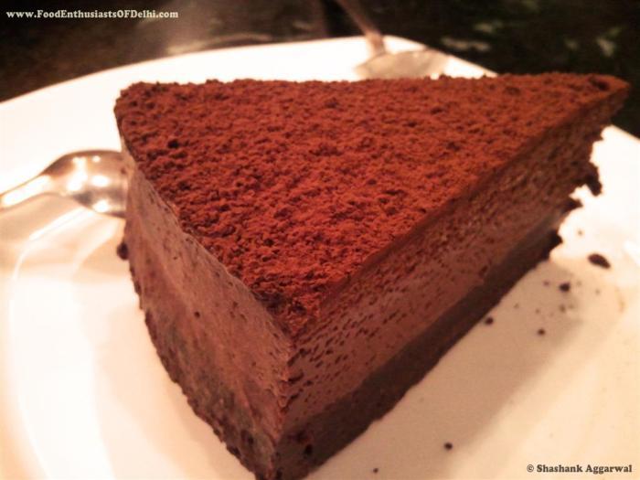 Double Decadance Chocolate Cake (Medium)
