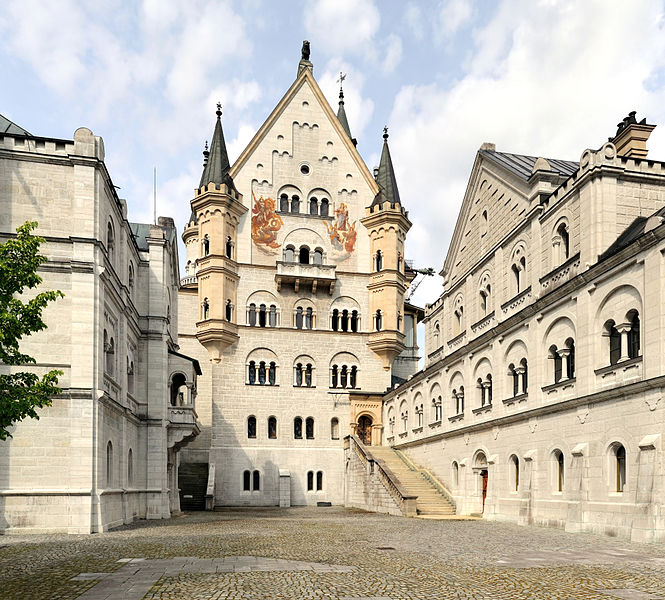 665px-Hohenschwangau_-_Schloss_Neuschwanstein5